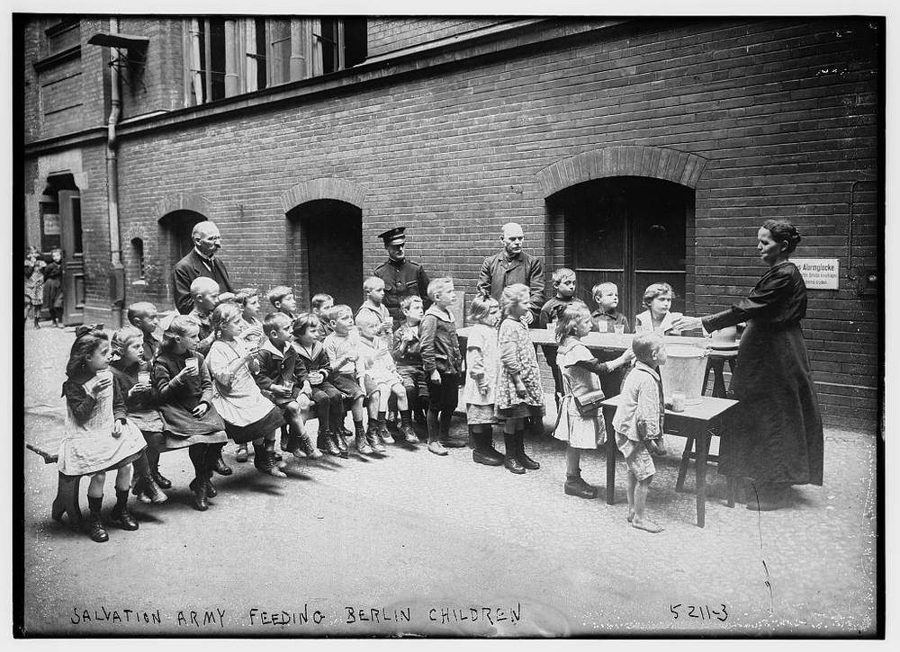 The Salvation Army feeds children in Berlin, Germany (Library of Congress c.1915-1920)
